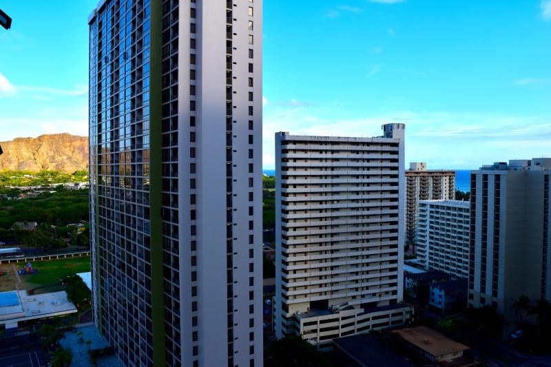 View from balcony - Ocean and city view condo in the Banyan. - Honolulu - rentals
