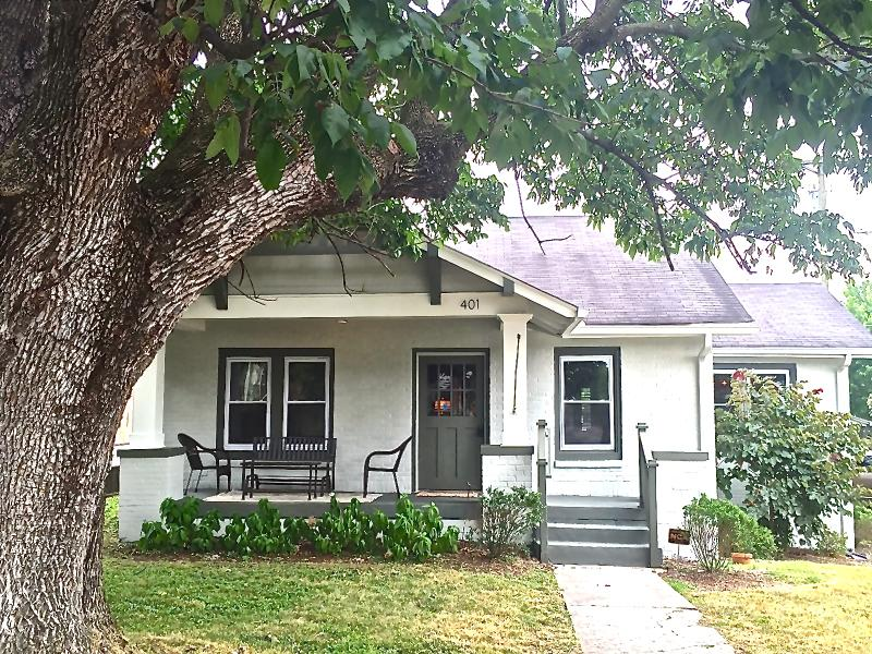 Brand New Reno to Historic Bungalow. House is larger than looks in picture. - Luxe, Downtown 2.2 mi, Bungalow, East Nashville - Nashville - rentals