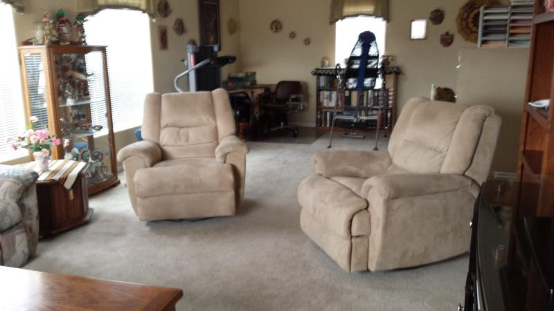 Family Room - Rent private room/share rest of the home:) - Page - rentals