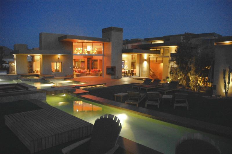 pool area at night - DESERT WONDER - Palm Desert - rentals