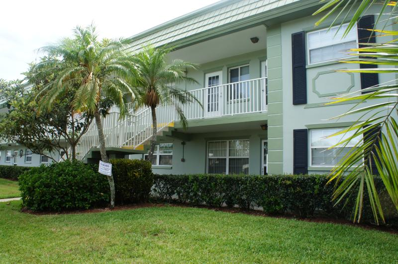 BEAUTIFUL MODERN CONDO , CLEARWATER, FLORIDA - Image 1 - Clearwater - rentals