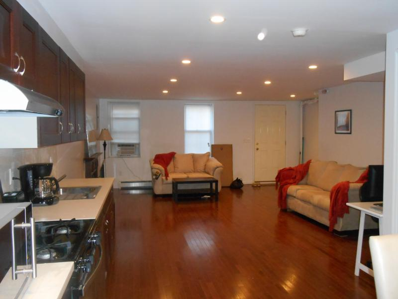 Spacious Apt with backyard in Brooklyn NYC - Image 1 - Brooklyn - rentals