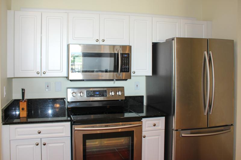 Recently upgraded kitchen - Updated One Bedroom Condo with Balcony @ CityPlace - West Palm Beach - rentals