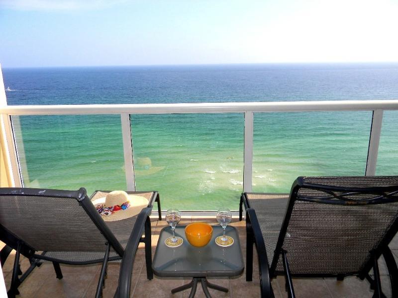 Over the Bridge to Caribbean Resort!!! - Image 1 - Navarre Beach - rentals