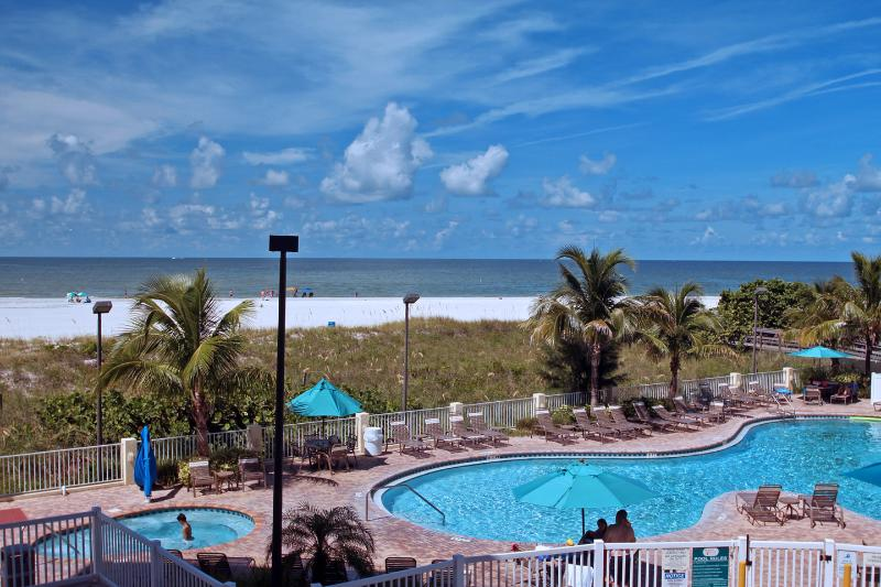 Large Heated pool with Jacuzzi - Sunset Vistas, Treasure Island, FL Beach Front 2/2 - Treasure Island - rentals