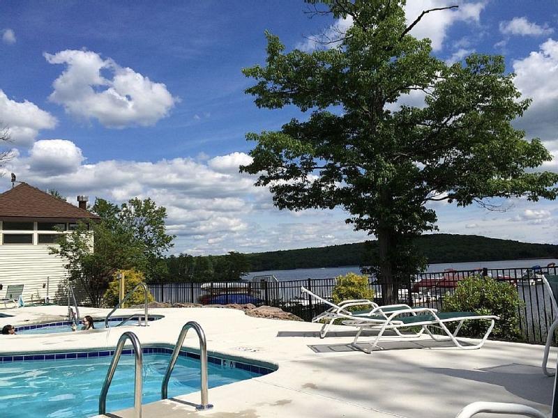 Big Boulder Condo Rental 2Bedroom 2Bath Lakefront - Image 1 - Lake Harmony - rentals