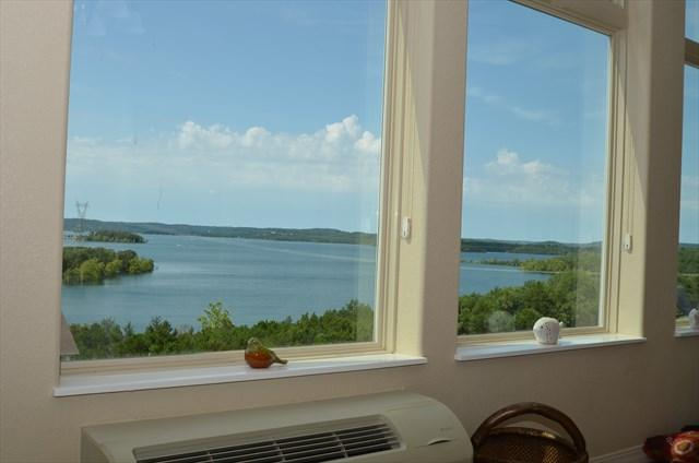 Unparalleled the BEST views on the lake! - Amazing Table Rock Lakefront condo, Brand New Unit - Branson - rentals