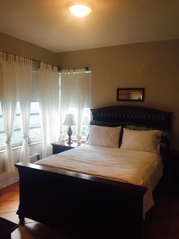 1 bedroom south beach apt. 3 blocks to beach - Image 1 - Miami Beach - rentals