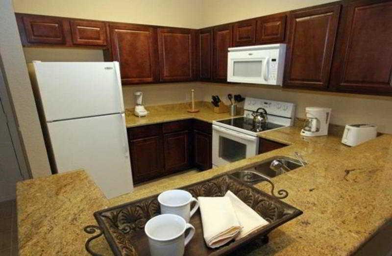 Full Kitchen View - Tuscana Resort & Hotel Orlando - Davenport - rentals