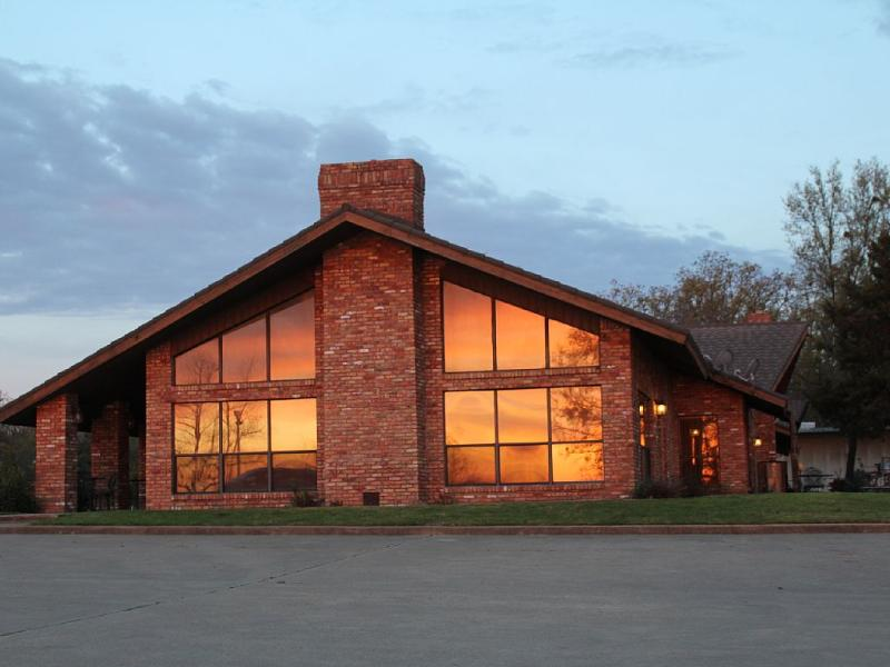 Deluxe Accommodations on Legendary Lake Fork - Image 1 - Lake Fork - rentals