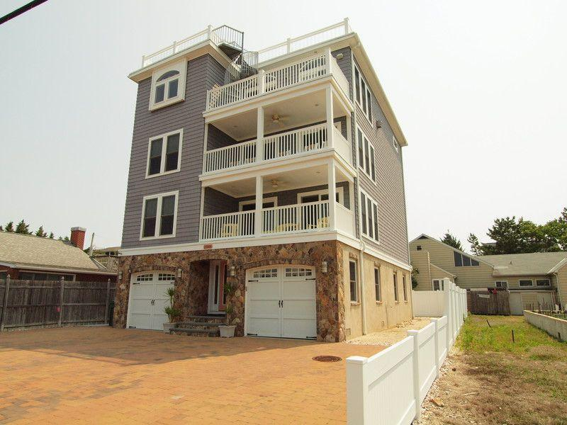 Ocean Block Amazing 8BR Family Rental Sleeps 20 - Image 1 - Rehoboth Beach - rentals
