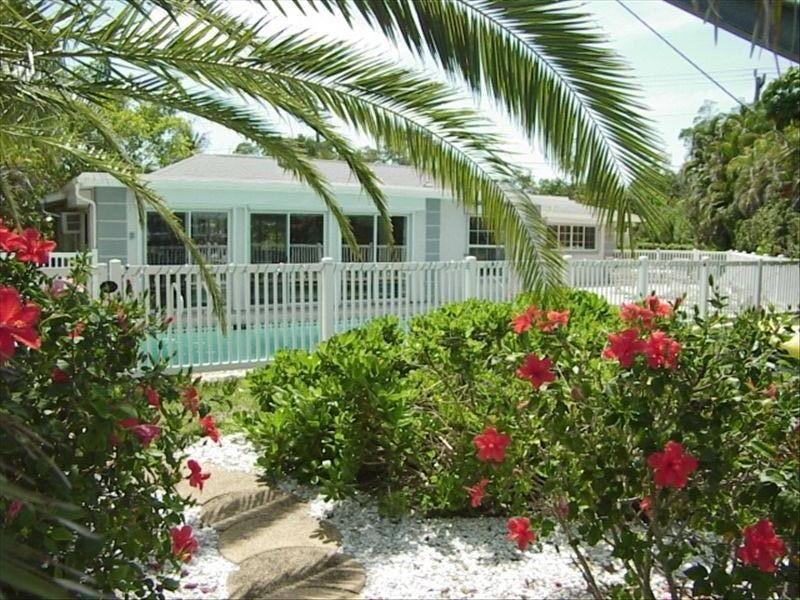 "Relax and take it all in ""the perfect island retreat"" - Manatee Landing, a Beautiful Vacation Home - Sanibel Island - rentals"