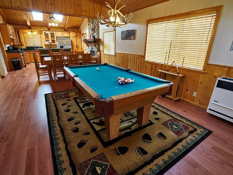 Happy Bears Log Cabin-Walk to Lake, Village and Magic Mountain!!! - Image 1 - Big Bear Lake - rentals