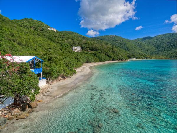 Steps away from the crystal clear waters of Brewers Bay - Beachfront villa with lush tropical garden - Road Town - rentals