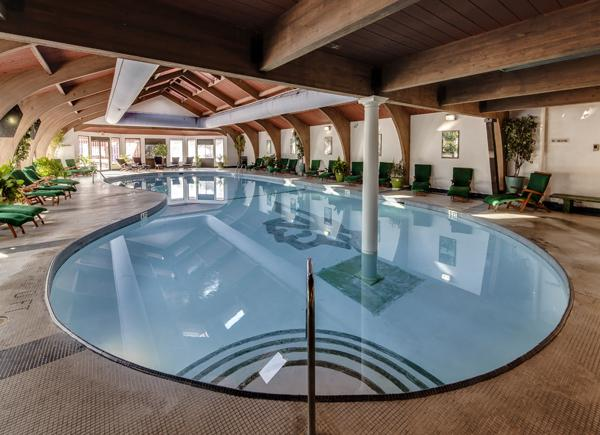 Indoor Pool at Shawnee Inn - Lovers at Intimate Sunset - Stroudsburg - rentals