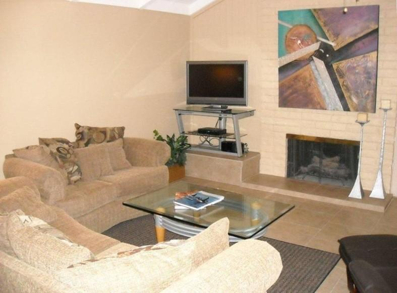 Living room with gas fireplace - Newly Renovated Turnkey Condo in Palm Springs - Palm Springs - rentals