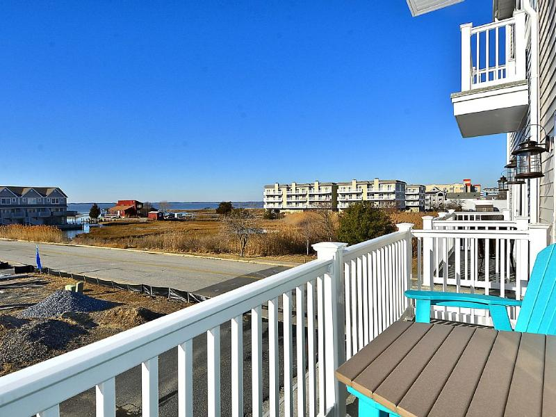 4- Br Bayside Townhome With Water View - Image 1 - Hagerstown - rentals