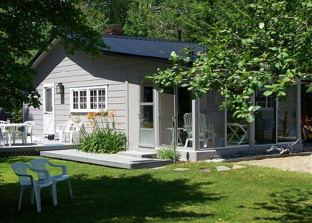 Absolutely Adorable Winnipesaukee Cottage for 5 - Image 1 - Moultonborough - rentals