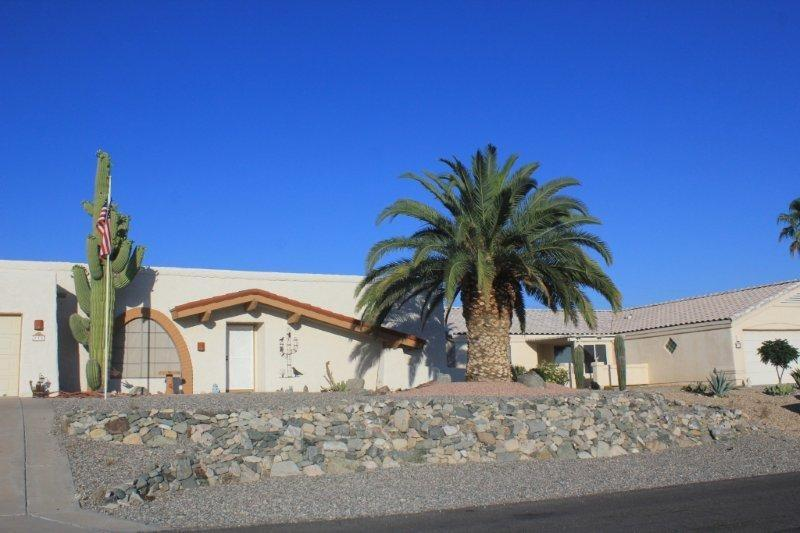 Classic Arizona Style - Lake Havasu Vacation Rental Home! 3 beds/2baths - Lake Havasu City - rentals