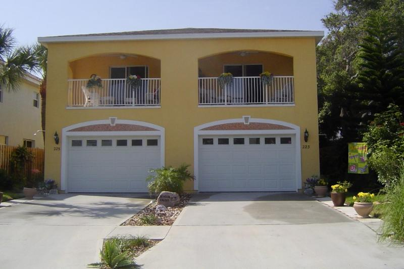 "BEROJA PALMS WEST - BEROJA PALMS WEST...a ""TRAVELER'S PARADISE!"" - Cape Canaveral - rentals"