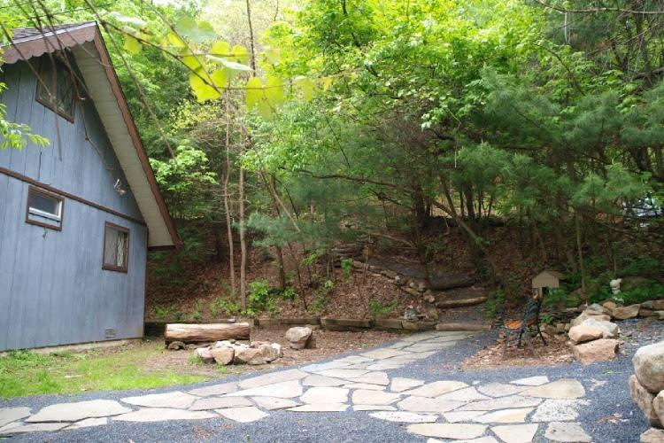 Seclude Swiss Chalet - Secluded Pocono Mountains Vacation Rental - Kunkletown - rentals