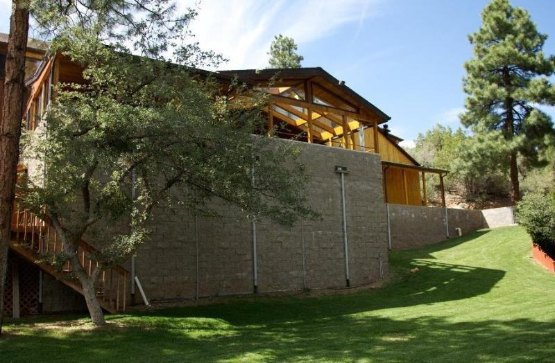 Beautiful 6,000  Sq. Ft. Cabin, 6 Bd 4.25 Bath - Image 1 - Prescott - rentals