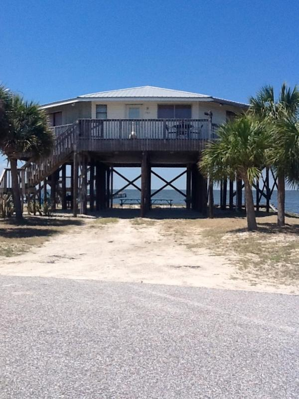 It's Five O'Clock Somewhere, 2 Private Fishing Piers with lights every 50ft. - It's Five O Clock Somewhere, 2 Private Fishing Piers/ lights, pet friendly, - Fort Morgan - rentals
