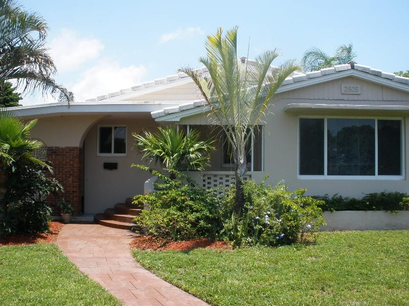 Unique & Classic Florida Home - Image 1 - Hollywood - rentals