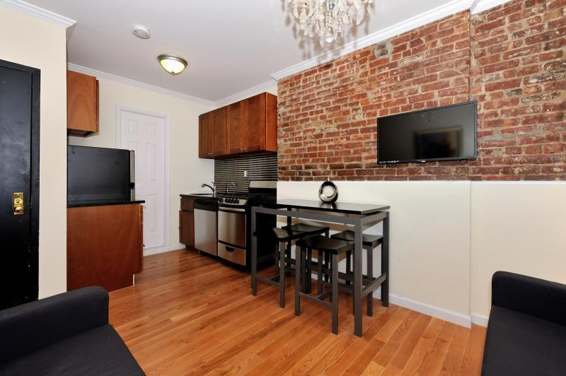 Lovely 2 Bedroom Super LOW Winter Monthly Rates!! - Image 1 - Manhattan - rentals