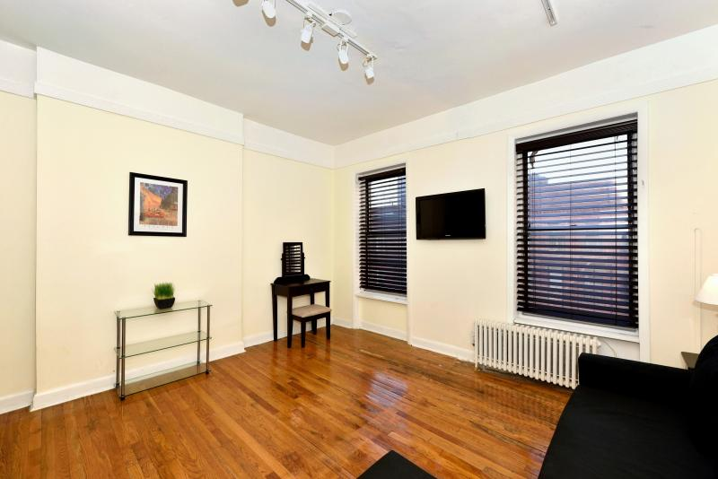 Midtown East 1 Bed Sleeps 4 - Image 1 - Manhattan - rentals