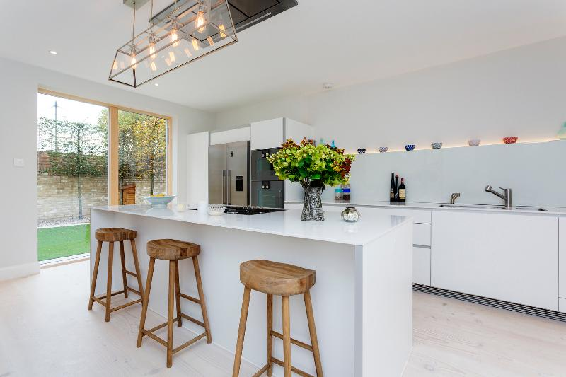 A stunningly modern five-bedroom home in fashionable Fulham. - Image 1 - London - rentals