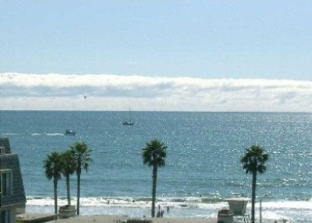 Surf's Up at this Surf'nSail Penthouse - Image 1 - Oceanside - rentals
