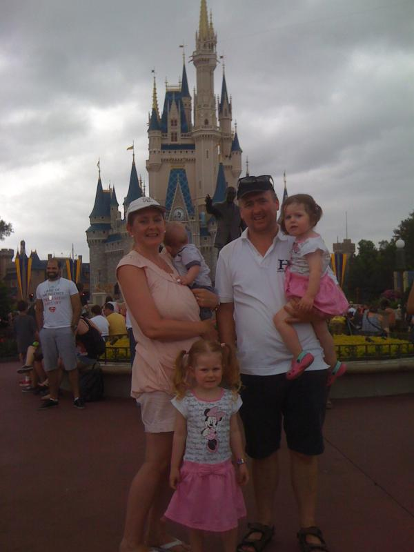 Our family visiting Magic Kingdom. - DISNEY 2 miles,   WiFi,  HD TV,   Crib & Stroller. - Four Corners - rentals