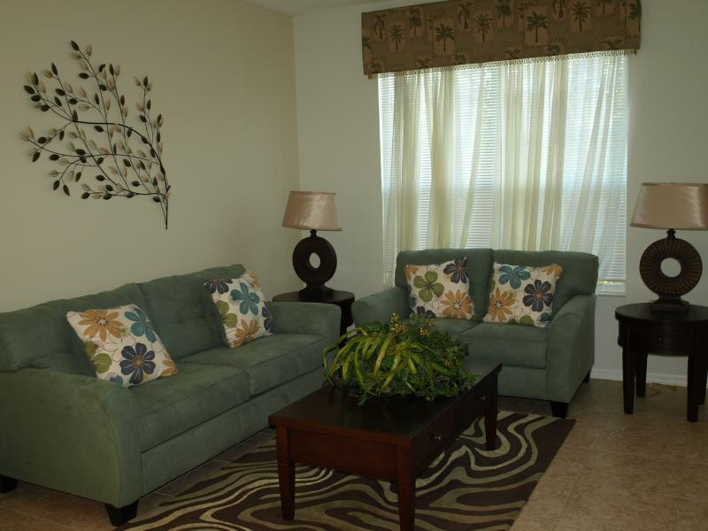 Living Room - 6BR 6baths, 3000 Sf, South Facing Pool, Game Rm - Kissimmee - rentals