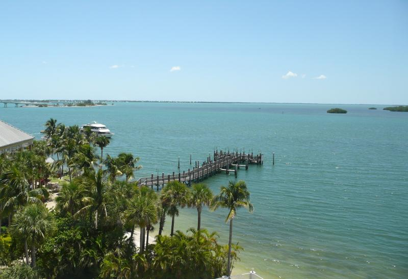View from Sanibel Bay View Condo toward Sanibel Island - Luxury 4-Star Waterfront ~ Sanibel Bay View Condo - Sanibel Island - rentals