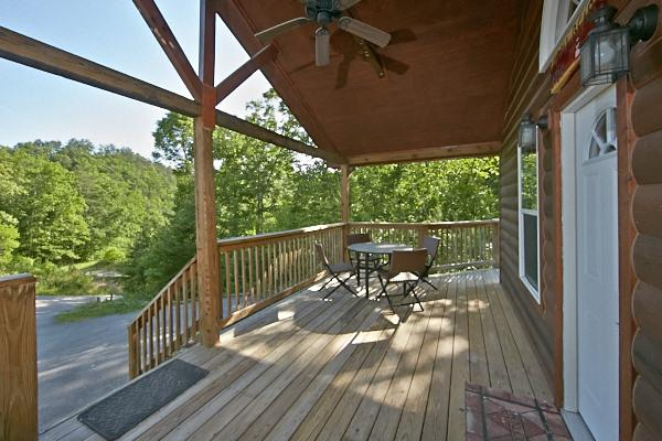MAMA BEAR- BEAUTY in the Smokie! PIgeon Forge - Image 1 - Sevierville - rentals