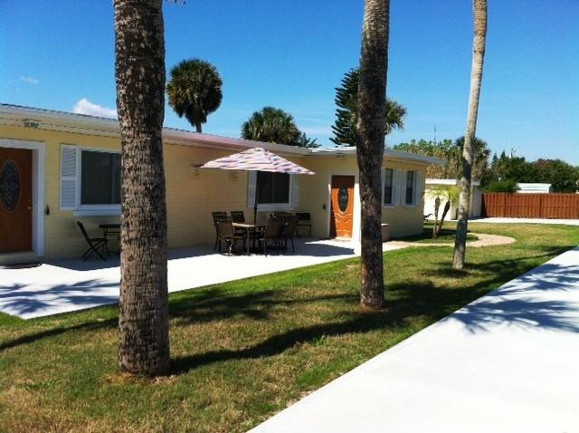 Large Patio with outdoor patio furniture and dining table - Beach View 2 UNIT HOME:1BDR/1BATH/LR/Kitchen EACH - Daytona Beach - rentals