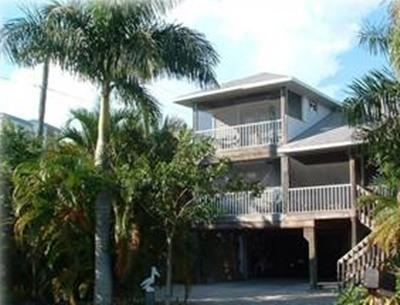 """1 block from beach - """"Desert Rose"""" - a Key West Classic Stilt Home - Fort Myers Beach - rentals"""