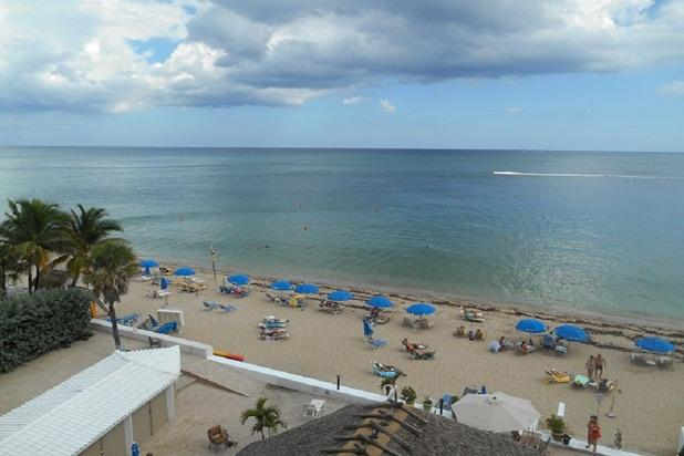 Best Studio Location in the Building with Balcony - Image 1 - Fort Lauderdale - rentals