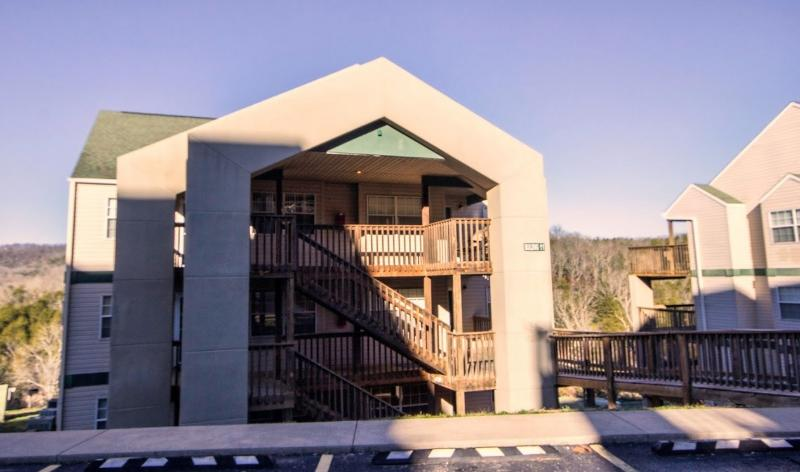 Branson Condo Rental | Eagles Nest | Indian Point | Silver Dollar City | Lake Views (1110606) - Image 1 - Branson - rentals