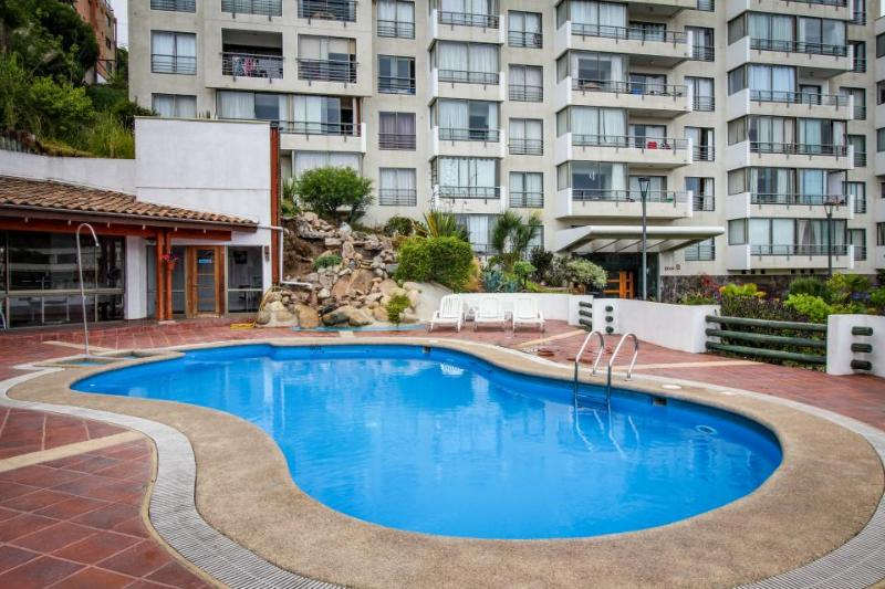 Lovely 6th floor condo w/ a shared pool, fitness gym & more! - Image 1 - Vina del Mar - rentals