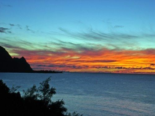 Sunset over Lanai - Oceanfront Puu Poa Condo with  A/C and Bali Hai View - Princeville - rentals