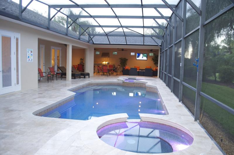 7 Bed Villa, only 2 miles to Disney World - - Image 1 - Kissimmee - rentals
