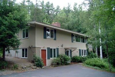 exterior w/horseshoe driveway - Birch Retreat Vacation Home - North Conway - rentals