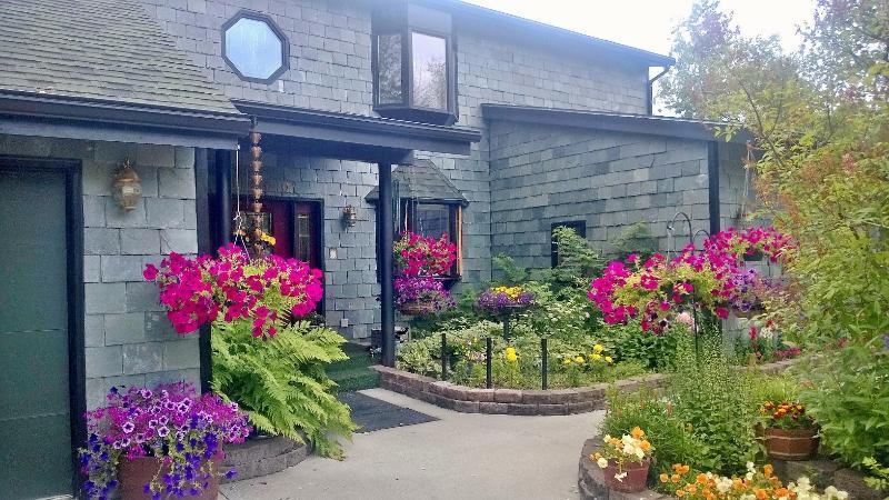 Front Entrance - Anchorage Bed & Breakfast - Anchorage - rentals