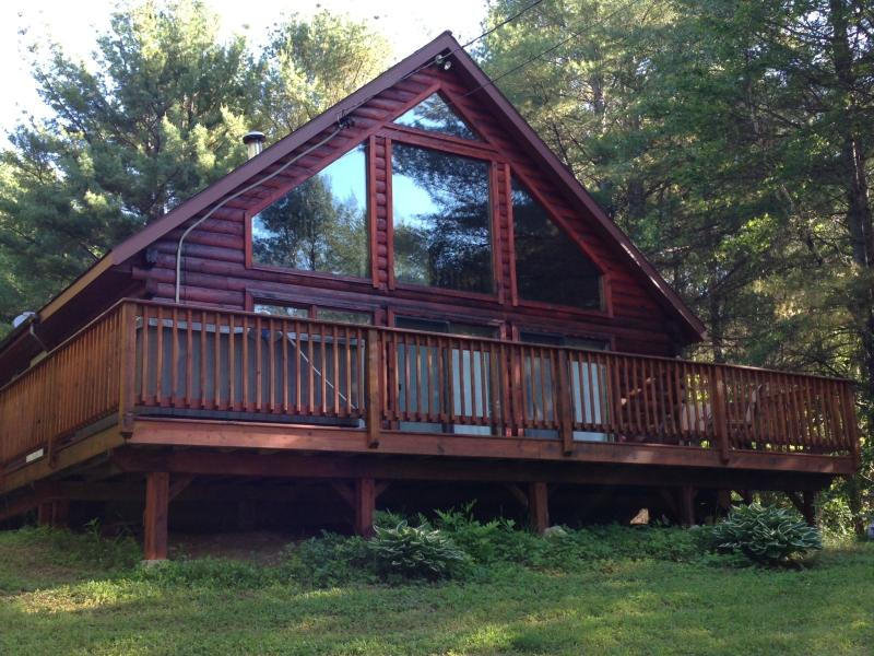 The Bethel Chalet - A Four Season Log Cabin Chalet with hot tub! - Bethel - rentals
