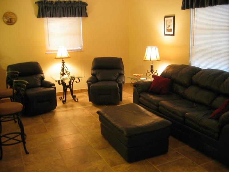 Living Room - CALL ABOUT CANCELLATION OPENING FOR MONTH OF MARCH - Sarasota - rentals