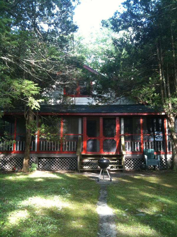 RUSTIC LAKEFRONT HOME :HUGE WRAP PORCH - Image 1 - Otisville - rentals