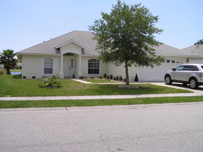 FRONT OF VILLA - SOUTH FACING LAKEVIEW VILLA - Bradenton - rentals