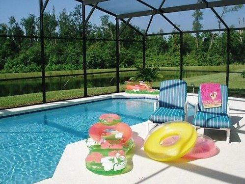 Relax by the Pool - Lakeside Villa,Pool,Wifi, Free Phone Calls - Davenport - rentals
